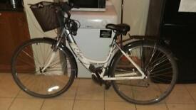 Apollo Elyse Womens Hybrid Bike. Free delivery!!!