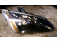 Head lamp driver side Ford Focus 2005