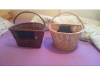 Wicker basket with bike attachement