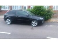 Black Ford focus 1.6 petrol