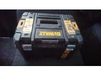 Dewalt cordless18v hammer drill and 18v combi drill