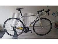 2014 Boardman Pro Carbon SLR (Fibre Road Bike) - Full Shimano Ultegra groupset + Ultegra Wheels