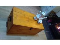 RUSTIC PINE STORAGE CHEST COFFEE TABLE LOG CHEST / BLANKET BOX
