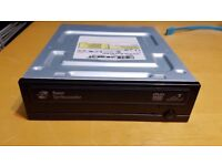 Toshiba-Samsung Super Writemaster DVD RW Multi-Recorder Optical SATA Disc Drive