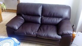 SOFA in Leather ! ! ! LIKE NEW.