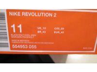 NEW ORIGINAL SIZE 10 NIKE REVOLUTION 2 TRAINERS