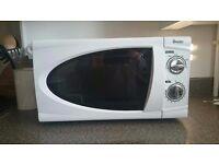 Swan Solo Microwave SM3090 20L White