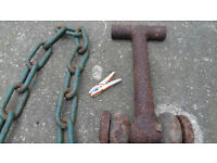 TRACKTOR HEAVY DUTY TOWING EYE WITH CHAIN