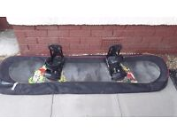 Burton Blunt Snowboard 151 + Burton Custom bindings + Snowboard asylum carry bag