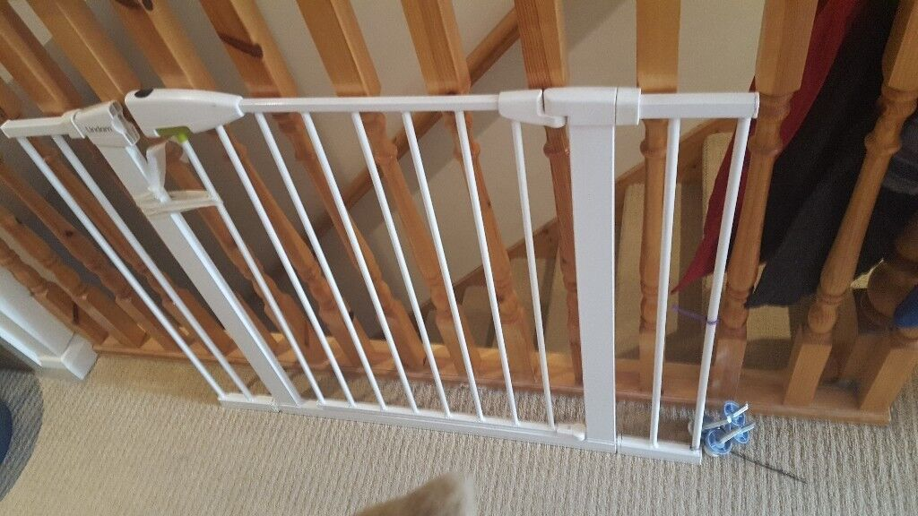 Lindam pressure fit stairgate and 2 extensions