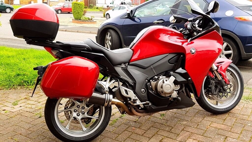 HONDA VFR 1200F DCT in MINT condition
