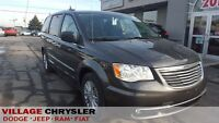 2016 Chrysler Town & Country PREMIUM NAV,LEATHER,DUAL BLUE RAY/D