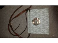 Genuine Michael Kors White and Gold Cross-body Leather Bag Perfect for Travelling