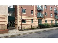 Stockbridge/New Town 2 Bedroom, 2 Bathroom Flat with Private Garage