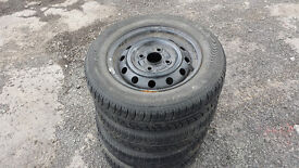 4 Tyres and wheels145/70 R 12