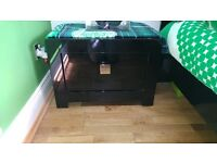 black high gloss drawers