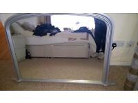 WALL MIRROR IN GOOD USED CONDITION
