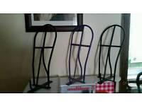 Saddle racks ×3