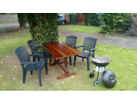 4x Garden chairs, table and grill