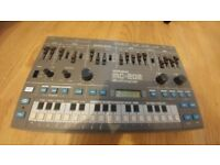 Roland MC-202 Monophonic Analog Synthesizer (1983) + CV/Gate Mod