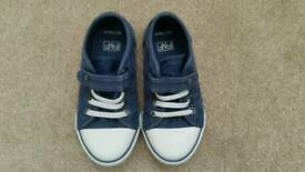 Toddler boys shoes 8