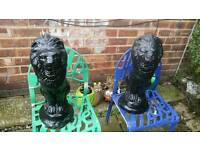Garden black lions pair of good condition can deliver