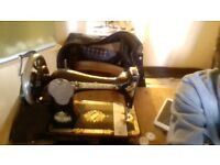 Antique The Singer Manufacturing Co. sewing machine Hand Operated