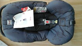 unused car seat -FROM BIRTH TO 13KG (9-12 MONTHS).