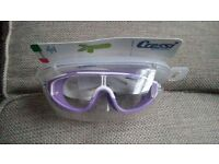 cressi kids goggles as new!!