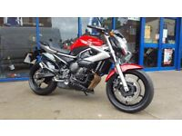 YAMAHA XJ6-N 2011 (61) RED LOW MILEAGE, AND EXTREMELY CLEAN ONLY 3,040 MILES