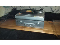 Turntable+Stereo Amplifier