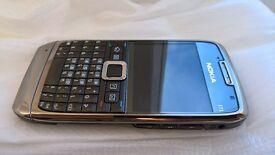 Nokia E71 mint