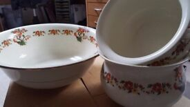 Vintage ceramic Regalware washbowl and 2 matching chamber pots