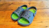 Croc Sandals Size 8-9 / Sandales Crocs Grandeur 8-9