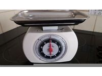 Vintage retro kitchen scales by Tower