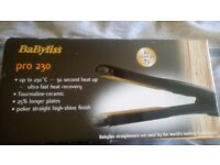 BaByliss Pro Ceramic 230 straightener reaches 230°C .Slim ceramic plates for a smooth,shiny finish