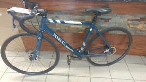 Vélo cyclocross a disque (u042106)999.99$