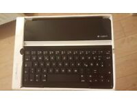 Logitech Clip-On Ultrathin Cover Wireless Keyboard for iPad 2 and 3