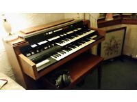 Hammond T402 Electric Organ - Free