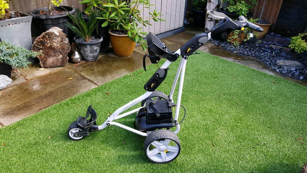 Powakaddy electric golf trolleyin Armthorpe, South YorkshireGumtree - Powakaddy Freeway Sport electric golf trolley. Alpine white. In good condition, been well looked after. Has some marks on frame through usage. Comes with 36 hole battery which was new a few months ago. Includes score card and umbrella holders. Has a...
