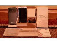 SAMSUNG GALAXY S4 (MODEL NO. GT-I9505) BOXED & COMPLETE WITH MAINS ADAPTOR, USB CABLE, USER MANUAL