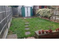 part-dss accepting 2 bed house w/garden close to Croydon, tram and bus links