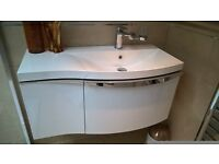 900mm Wall Hung Vanity Unit White Gloss inc Tap EX DISPLAY