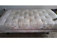 ELECTRIC ADJUSTABLE SINGLE BED & MATTRESS