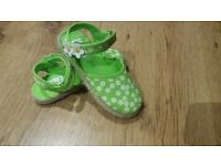 Job lot of 24 prs of girls canvas Summer shoes