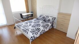 * REDUCED ADMIN * Beautiful Large Room w/ Balcony / Westferry, E14 Area / Furnished & All Bills Inc