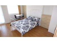Beautifully Presented Large Double Room w/ Balcony / Westferry, E14 Area / Furnished & All Bills Inc