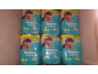 New pampers size 3 x 136 nappies