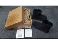 UGG Australia Black mini Bailey Button Boots Size UK 4.5 Boxed with certificate
