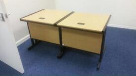 2 desks 80cm x 80cm